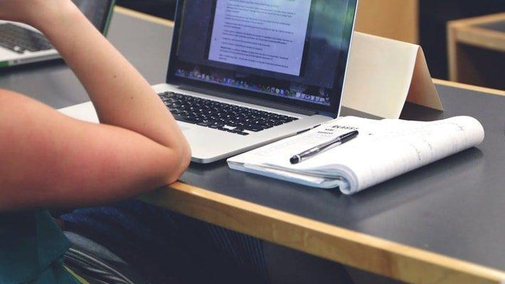 Student-Scholarship-Geekermag