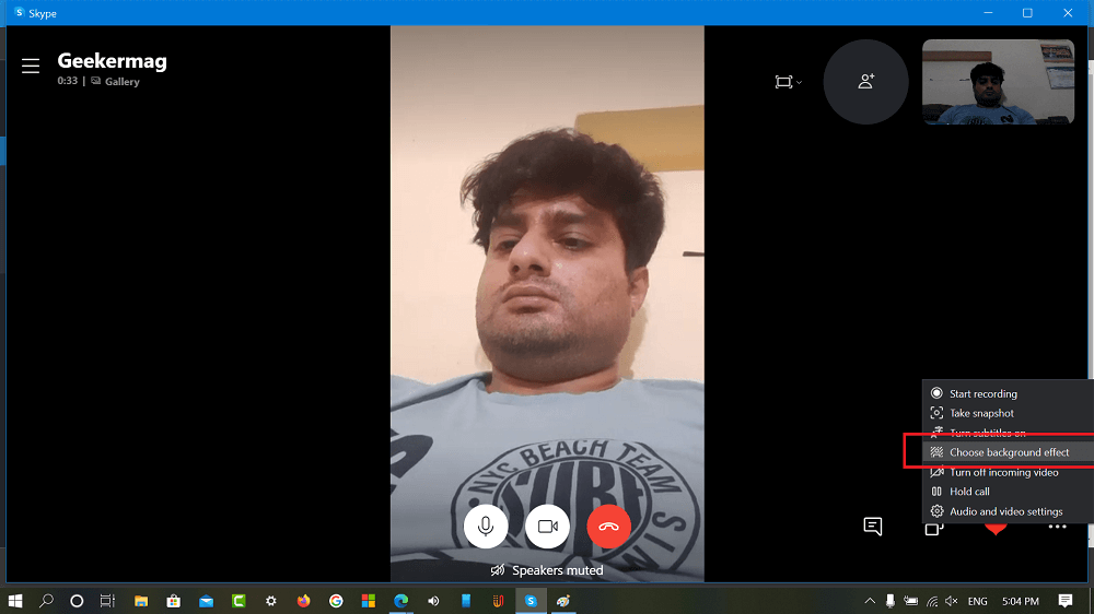 Choose background effect option in Skype video call