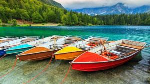 Colorful Boats PREMIUM 4k theme for windows 10