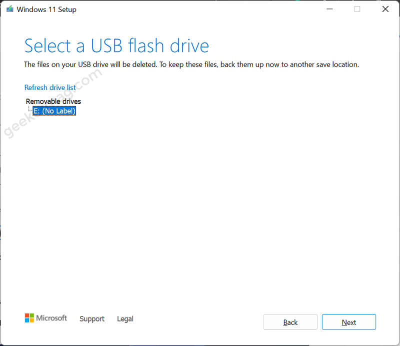 select a usb flash drive in windows 11 media creation tool